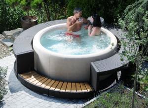 High Quality Couple_garden